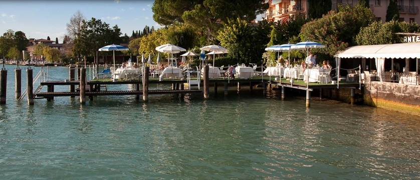 Hotel La Pace, Sirmione, Lake Garda, Italy - al fresco breakfast by the lake.jpg